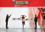 Farah y Kosgei reinan en un Maratón de Chicago con mucha presencia de chilenos